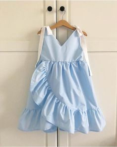 This image can contain: People Dieses Bild kann enthalten: Personen … This image can contain: People … - Baby Girl Dress Patterns, Dresses Kids Girl, Kids Outfits Girls, Girl Outfits, Fashion Outfits, Fashion Kids, Baby Girl Fashion, Latest Fashion, Baby Frocks Designs