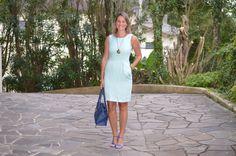 Moda corporativa - look do dia - look de trabalho - look executiva - work outfit - office outfit - look verão - vestido menta - mint dress - sandália azul - cobalt - blue -Royals