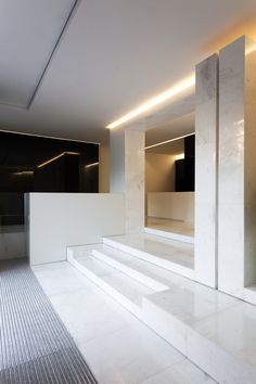Image 12 of 32 from gallery of Office Building 1905 / Fran Silvestre Arquitectos. Photograph by Diego Opazo