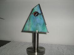 Pyramide auf Lampenfuß Table Lamp, Lighting, Home Decor, Ideas, Table Lamps, Decoration Home, Room Decor, Lights, Home Interior Design