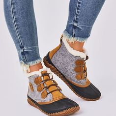 Snow Boots Outfit, Winter Boots Outfits, Winter Fashion Boots, Winter Duck Boots, Short Winter Boots, Winter Shoes, Sorel Duck Boots, Sorel Wedge Boots, Sperry Boots