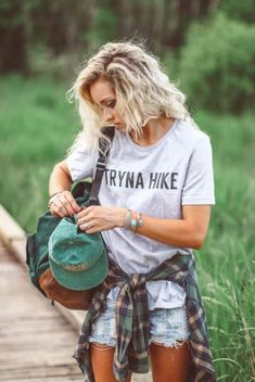 37 Trendy Camping Outfits For Women Summer Casual God Summer Camping Outfits, Summer Outfits, Cute Outfits, Hiking Outfits, Summer Shorts, Festival Looks, Estilo Tomboy, Looks Style, My Style