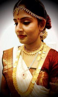 traditional south indian bride | bridal saree makeup jewellery