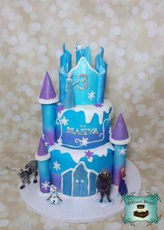 Photos ENFANTS | Gâteaux Magik frozen castle cake reine des neiges chateau gateau Frozen Cake, Disney Frozen, Cookies, Photos, Birthday Cakes, Meet, Dream Cake, Cooking Food, Sweet Treats