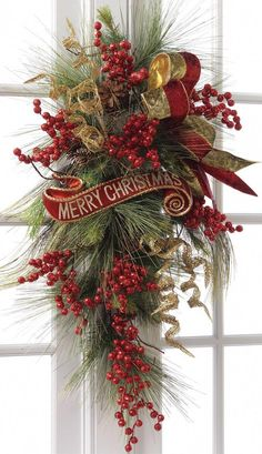 Beautiful Christmas Wreaths for Front Door. The main Christmas decorations that each of us never forgets to put during the holidays is the Christmas tree Merry Christmas Sign, Noel Christmas, Christmas Projects, Winter Christmas, Christmas Berries, Front Door Christmas Decorations, Christmas Swags, Holiday Wreaths, Christmas Planters