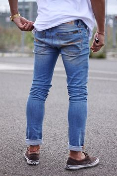 rolled jeans--- the only way to wear jeans