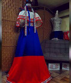 Slovenské folklórne šaty