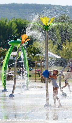 SAFE SPLASHPAD® ZONES REPLACE FILLED-IN LAKE http://goo.gl/Btfvcn #Splashpad