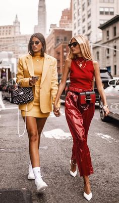 How to rock a monochromatic look, street style, women's fashion, red outfit, yellow outfit Fashion Mode, Look Fashion, High Fashion, Autumn Fashion, Fashion Outfits, Womens Fashion, Fashion Trends, Fashion Street Styles, Prada Outfits