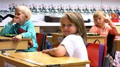 ...kyselytutkimuksessa esimerkiksi havaittiin tablettien opetuskäytön vahvistavan oppilaiden ongelmanratkaisutaitoja ja parantavan luokan työskentelyilmapiirä.