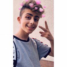Cute Boy Photo, Photography Poses For Men, Boys Dpz, Girl Photo Poses, Boy Photos, Ulzzang Boy, Bts Boys, Snapchat, Swag Boys