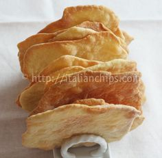 Thin Bread Without Yeast · Italianchips Snack Recipes, Cooking Recipes, Snacks, Bread Without Yeast, Focaccia Pizza, Cooking Bread, Good Food, Yummy Food, Vegan Recipes