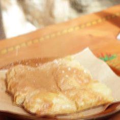 Λαχταριστά μεζεδάκια  για μεσημεριανό αλλά και  για οποιαδήποτε ώρα της ημέρας. Ελα στο Χρησιμοπωλειον και απόλαυσε μοναδικές γεύσεις μονο με 11€ Δες το μενου μας στο www.xrisimopolion.gr Pie, Desserts, Food, Torte, Tailgate Desserts, Cake, Deserts, Fruit Cakes, Essen