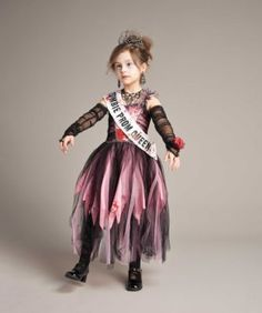 Love this Zombie Prom Queen Dress-Up Set - Girls on Scary Girl Costumes, Scary Doll Costume, Zombie Prom Queen Costume, Costumes Uk, Costume Dress, Halloween Fancy Dress, Halloween Costumes For Kids, Halloween Ideas, Halloween 2015