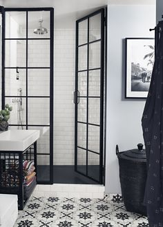 This attic apartment in Stockholm has definitely not only sense of comfort, but also a creative atmosphere. The black and white scheme was complemented ✌Pufikhomes - source of home inspiration Bathroom Cabinets, Bathroom Flooring, Bathroom Fixtures, Bathroom Sinks, Bathroom Showers, Large Bathrooms, Small Bathroom, Black Bathrooms, Budget Bathroom