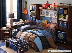 T's room - metal star and metal letters - love making the bed more like a nook