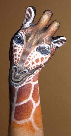 Incredible Hand Art    Artist: Guido Daniele
