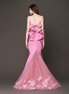 Vera Wang -  Think Pink!