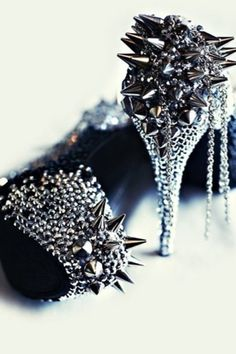 I have no idea where or why I would ever wear these, but I really want to anyways!!!!