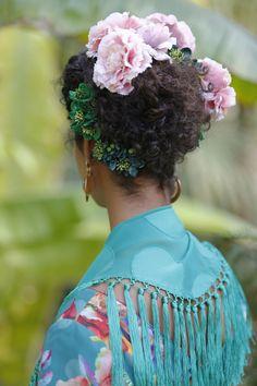 Claveles Fashion, Carnations, Flamingo, Moda, Fashion Styles, Fashion Illustrations, Fashion Models