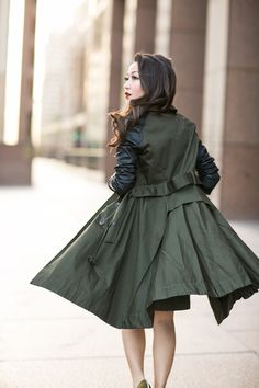 Detective Olive :: Contrast-sleeve trench