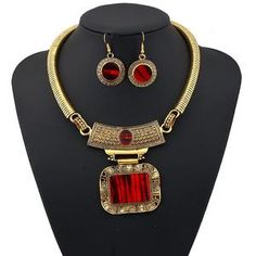 LUFANG 2018 Fashion Silver Color Bohemia Collier Big Statement Maxi Necklace Punk Ethnic Red Power Choker Necklace Women Jewelry Source by Rhinestone Necklace, Silver Necklaces, Crystal Necklace, Choker Necklaces, Statement Necklaces, Crystal Pendant, Necklace Types, Necklace Set, Onyx Necklace
