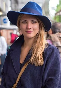 Blue Felt Floppy Fedora for Women, perfect to match your Spring/Summer outfit!