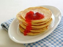 4 dl flour pint] 3 dl milk* pint] 5 eggs dl sugar pint] 3 tablespoons butter teaspoon salt 1 teaspoon baking powder Melt the butter and mix all the ingredients un… Crepes And Waffles, Pancakes, Norwegian Food, Norwegian Recipes, Griddle Cakes, Crepe Cake, Recipe Sites, Retro Recipes, Popular Recipes