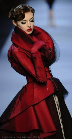Can't stop looking at this. I love everything about it. The color...stunning. Christian Dior Haute Couture