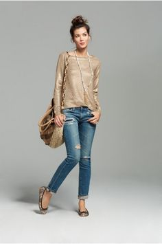 Casual with a side of sheen from - Storefront Life Kyslinger St. Simple Outfits, Casual Outfits, Cute Outfits, Sweaters And Jeans, Autumn Winter Fashion, Fall Fashion, Casual Chic, Style Me, Style Inspiration