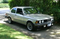 1983 BMW 320i in Bronzit Beige Metallic (this is the only year that color was available for the E21 body) photo by Bob Santos