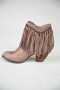 Fringed Taupe Bootie from Pink Coconut Boutique Fashion Boots, Boho Fashion, Autumn Fashion, Blusas Country, Cowgirl Boots, Western Boots, Cute Shoes, Me Too Shoes, Fringe Booties