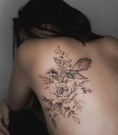 30 Inspired Flower Tattoo Design for Beautiful Women – Tattoo Designs Lotusblume Tattoo, Tatoo Henna, Piercing Tattoo, Body Art Tattoos, Girl Tattoos, Piercings, Bird Tattoo Ribs, Mandala Tattoo, Floral Back Tattoos