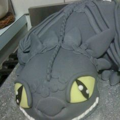 Dragon cake - Toothless???? :)