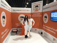 Motorbeurs Utrecht witte lak catsuits