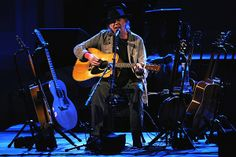 Neil Young Revisits Seventies for a Spellbinding Carnegie Hall Show | Music News | Rolling Stone