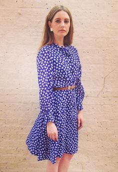 Vintage retro 80s navy white floral dress with pussybow neck