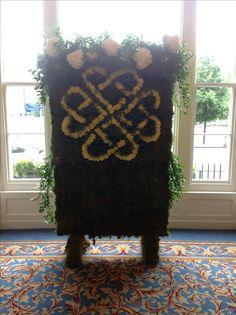Moss wall Moss Wall, Shag Rug, Rugs, Flowers, Home Decor, Shaggy Rug, Carpets, Interior Design, Royal Icing Flowers