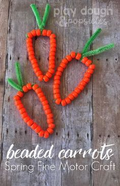 Beaded Carrots: Spring Fine Motor Craft. A fun craft for Easter in the classroom or at home. Vegetable Crafts, April Preschool, Preschool Crafts, Easter Party, Fine Motor, Easter Crafts For Kids, Spring Crafts For Preschoolers, Easter Activities For Toddlers, Classroom Teacher