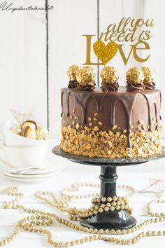 Ideas que mejoran tu vida Fererro Rocher Cake, Torta Ferrero Rocher, Rocher Torte, Nutella Birthday Cake, Gourmet Cakes, Cake Decorating Supplies, Drip Cakes, Fancy Cakes, Love Cake