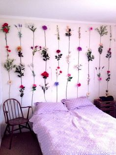 Creative wall decor for bedroom - spring inspired interior design