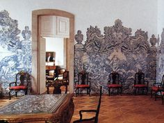 Dining room at the Palace of the Count and Countess of Anandia, in Mangualde, Portugal Portugal, Hotel Interiors, French Interiors, Europe Holidays, Portuguese Tiles, Tile Art, Delft, Fresco, Interior And Exterior