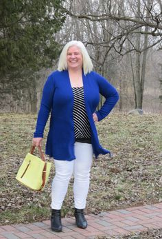 Practical, everyday confident with a bit of sass - A style interview with Julia Interview Style, Advanced Style, Blue Cardigan, Photos Of Women, Fashion Over 40, Her Style, Confident, White Jeans, Campaign