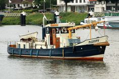 NANNY - Seen here arriving at Maasbracht/Limburg (The Netherlands) is the former buoy laying vessel BAUMRÖNNE of the German Waterway Authorities (WSV), her home port was Cuxhaven/Germany.