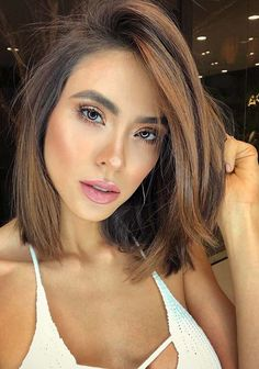 43 Sensational Medium Ombre Haircuts for 2018. If you are looking for best styles of medium length haircuts with most suitable hair colors then must visit here to our hottest collection of medium and shoulder length haircuts to use in year 2018. We have created this list of hairstyles for those fashionable ladies who are looking for best styles of medium hair for 2018.