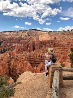 Bryce Canyon: Hikes, Lodging & Dining - Until The Very Trend - Just two hours from Zion sits another one of Utah's famous parks: Bryce Canyon. Bryce Canyon is f - Utah Vacation, Vacation Places, Places To Travel, Places To See, Bryce Canyon Hikes, Utah Hikes, Nationalparks Usa, Grand Canyon Pictures, Wanderlust