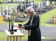 15th Grand Tea Master of the Urasenke Foundation performs a tea ceremony at Alae Cemetery in Hilo Hawaii. photo by Hollyn Johnson Hilo Hawaii Tribune Herald