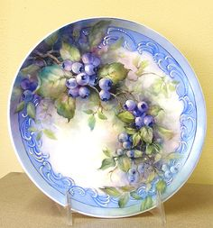 gorgeous blueberry plate
