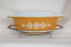Vintage Pyrex | Vintage Pyrex 043 Butterfly Gold Oval Covered Casserole and Cradle 1.5 ...