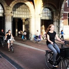 #bicycle #amsterdam #commute #rijksmuseum #cleanenergy #nohelmet #cycling #cyclinglife #biketowork #architecture #holland